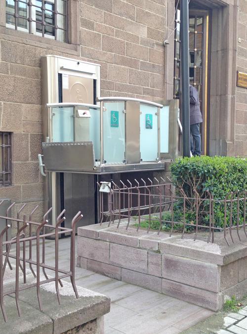 açık engelli asansörü